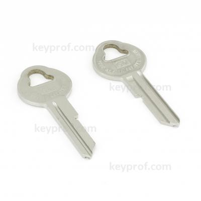 Original classic car key kpa131