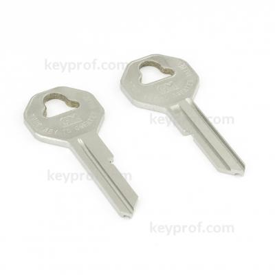 Original classic car key kpa132